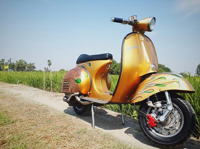 Name:  Vespa.jpg