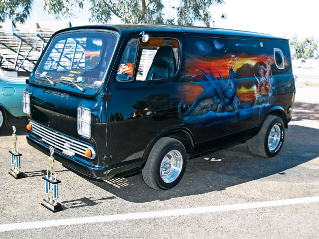 Name:  hppp_0701_14z+pontiac_heaven_car_show+1966_chevrolet_van.jpg